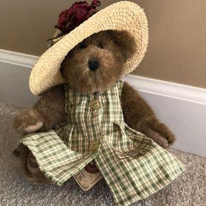 Longaberger special edition Homestead Boyd's bear